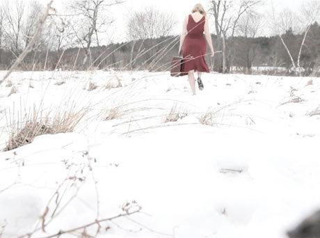 Still image from LEAVING MY SKIN (2014), a video by Ellen Wetmore (Film & Video Fellow '17)