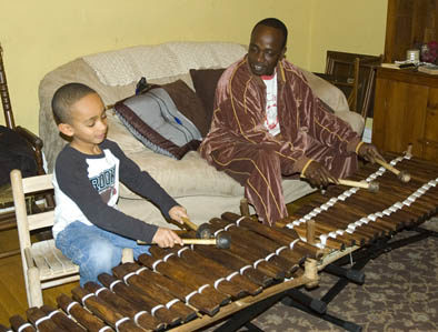 Sekou and Balla Kouyaté playing balafon.