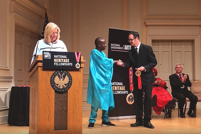 Balla Kouyaté receiving the National Heritage Fellowship Award.