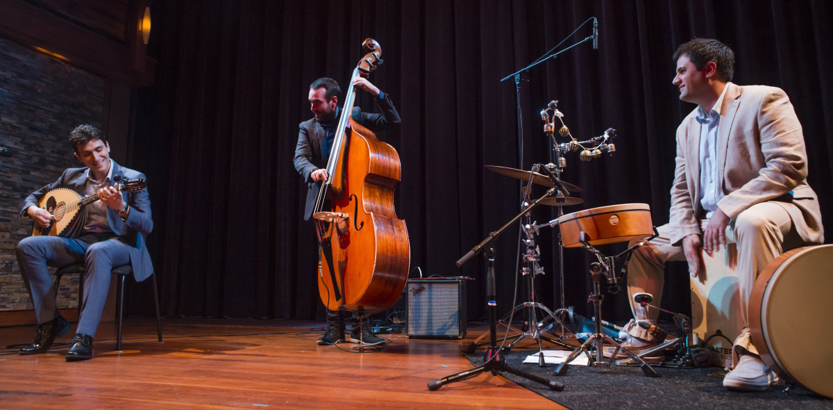 (l-r)Vasileios Kostas, James Dale, and George Lernis performing at Crossing Customs: Immigrant Masters of Music & Dance. Photo by Matthew Muise.