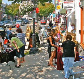 Plymouth Art Stroll. Photo by Denise Maccaferri.