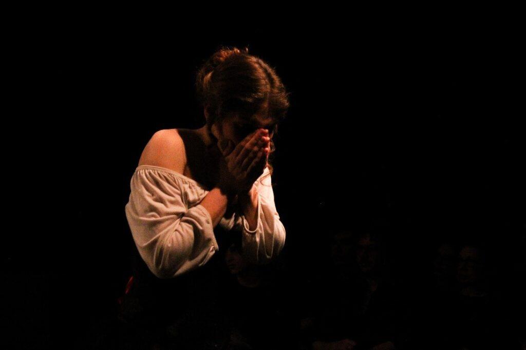Katarina Tobits performing on stage.